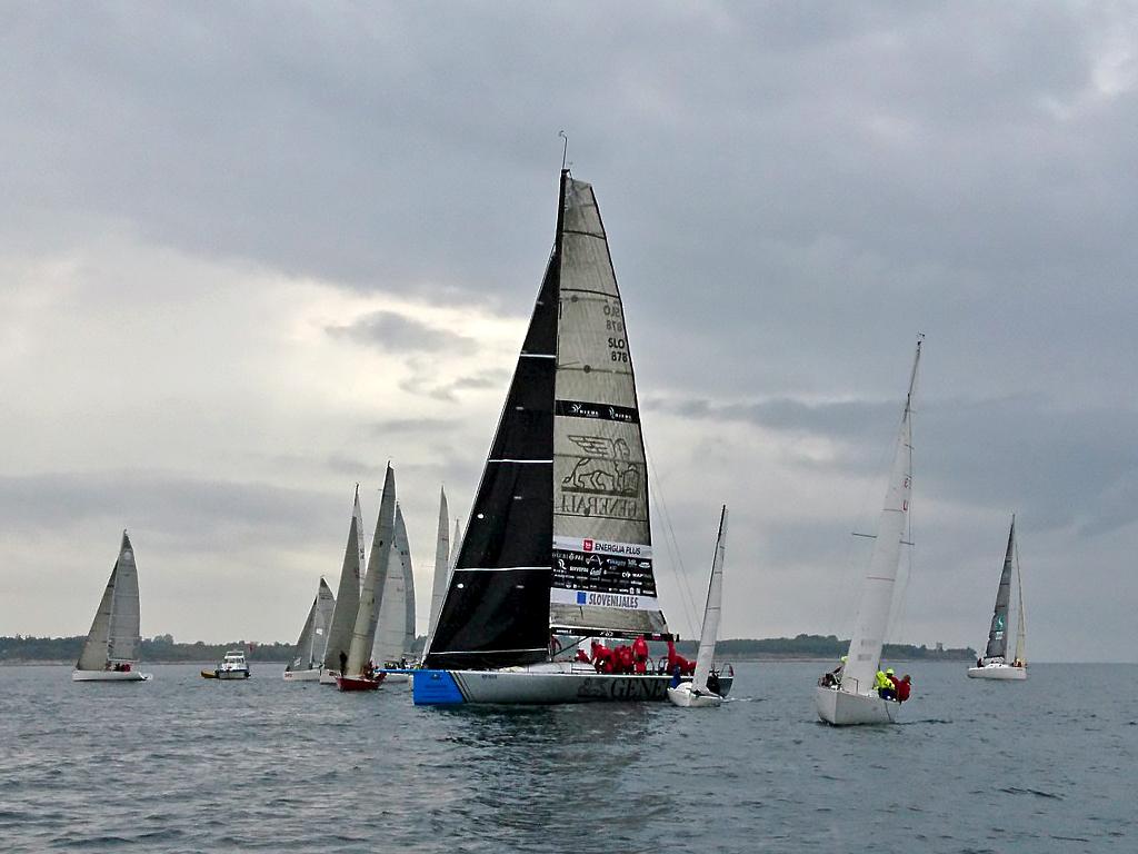 Dež in brezvetrje prekinila 22. Skipper Cup